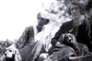 Virginia Woolf junto a su amante, Vita, en los años 30.