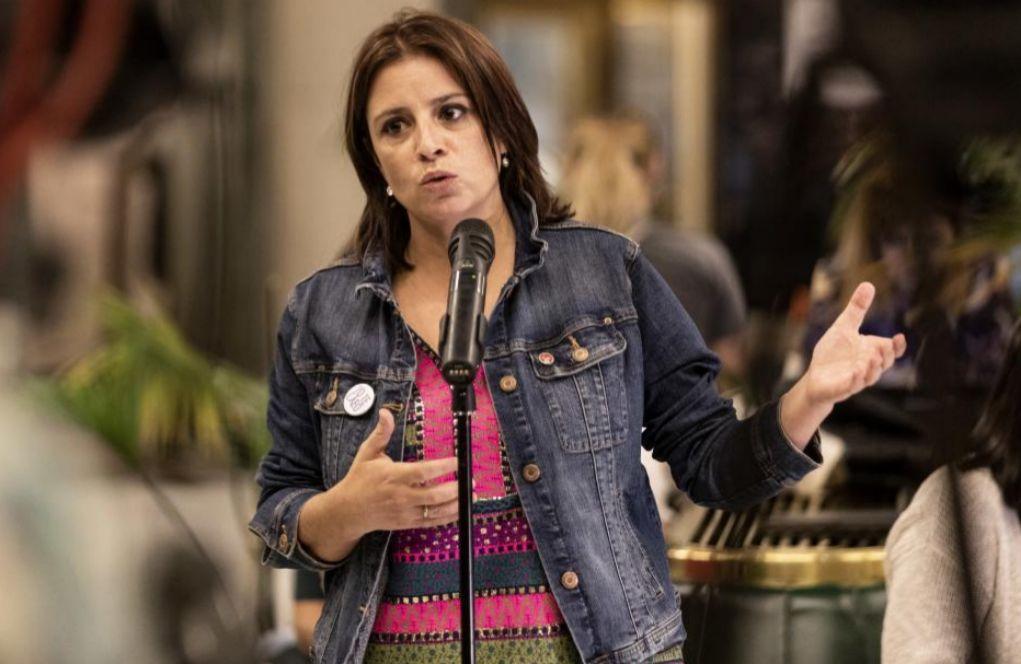 """En busca del primer trabajo, """"con 14 años"""", de Adriana Lastra en Ribadesella"""