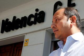 El presidente del Valencia propone una subida de su sueldo tras el despido de Mateu Alemany
