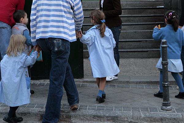 Guerra a la escuela concertada al negar el derecho constitucional de las familias a elegir colegio