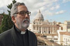El Papa designa a un jesuita español como nuevo guardián de las cuentas del Vaticano