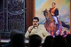 Nicolás Maduro se reúne con los gobiernadores en el Palacio de Miraflores.