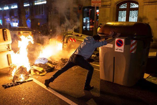 GRAF9222. BARCELONA.- Nueva protesta de los <HIT>CDR</HIT> este jueves...