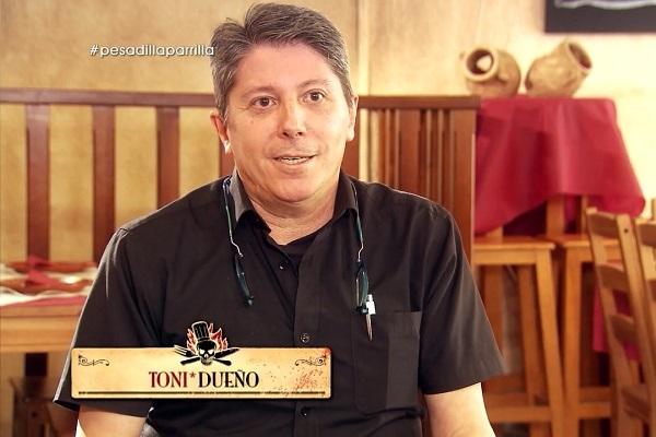 Antonio Domínguez, dueño del restaurante A la parrilla, se queja de...