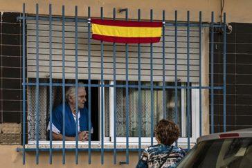 Dos vecinas de Cartagena en una de las secciones electorales donde más se votó a Vox.
