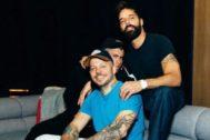 Residente, Bad Bunny y Ricky Martin durante la grabación de Cántalo