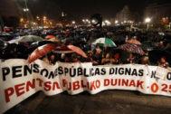 La cabeza de la manifestación de pensionistas en Bilbao.