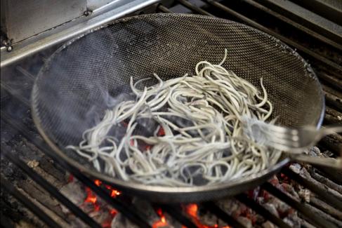 """El increíble caso del parrillero vasco que tiene el tercer mejor restaurante del mundo: """"Soy feliz"""""""