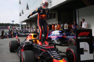 Bochorno integral de Ferrari y maravillosa remontada de Carlos Sainz en Interlagos