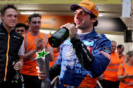 Carlos Sainz celebra en Interlagos su primer podio.