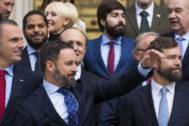 Santiago Abascal, en la foto de los 52 diputados de Vox.