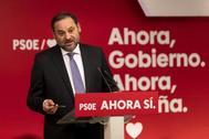 José Luis Ábalos, secretario de Organización del PSOE, en rueda de prensa en la sede de Ferraz.