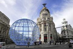 Recreación de la bola gigante que se instalará entre Gran Vía y Alcalá
