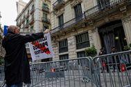 SANTI COGOLLUDO 23.10.2019 Barcelona, Catalunya Unos centenares e personas se han congregado delante de la Jefatura Superior de Policia de <HIT>Via</HIT> <HIT>Laietana</HIT> en protesta por la sentencia a los presos del proces independentista.