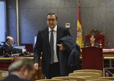 José Luis Bilbao abandona la sala de vistas del Tribunal Superior vasco tras declarar por la reclamación de Habidite.
