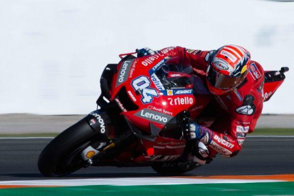 Dovizioso rodando con la nueva Ducati Desmosedici GP20 en  Cheste.