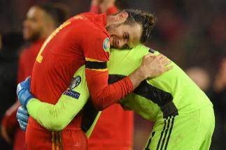 Bale obra el milagro: Gales se clasifica para su segunda Eurocopa consecutiva