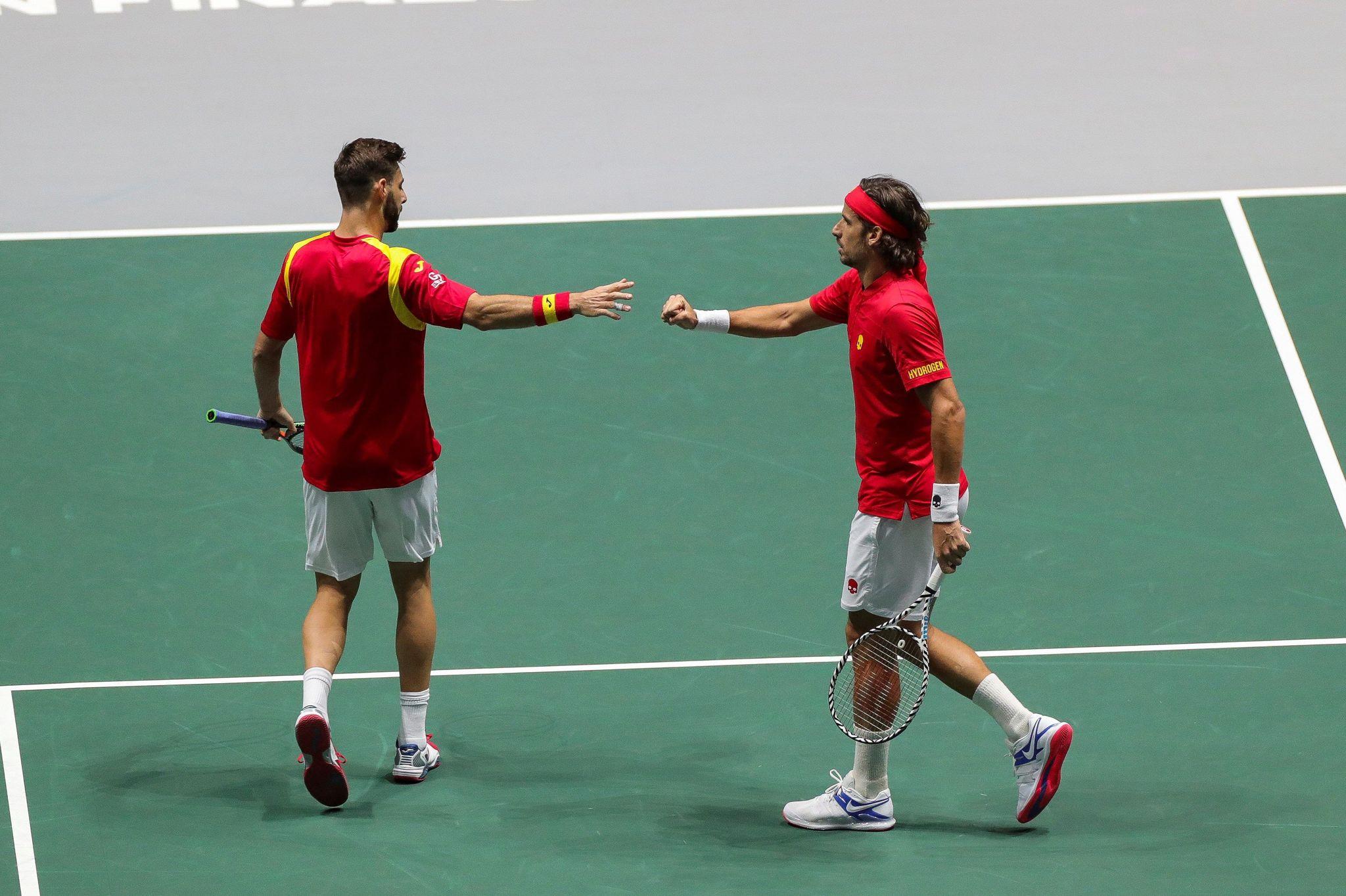 GRAF2328. MADRID, 19/11/2019.- Los tenistas españoles Marcel...