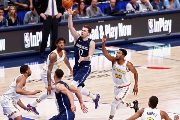 Dallas (United States), 20/11/2019.- Dallas Mavericks player Luka...