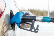 El combustible se abarata esta semana, pero cuesta entre un 7,5% y un 10% más que en enero
