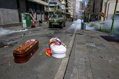 Ataúdes de personas presuntamente asesinadas en las marchas de Bolivia.