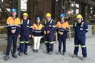 Tapia y representantes de Sidenor durante la visita.