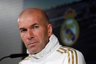 """Zidane: """"La gente que siente los colores del Real Madrid tiene que estar con Bale"""""""