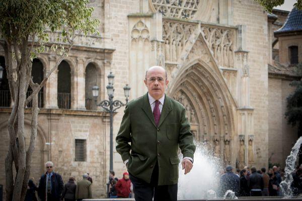 "Ignacio Gil Lázaro, diputado de Vox por Valencia: ""España tendrá que elegir: o pensiones o autonomías"""