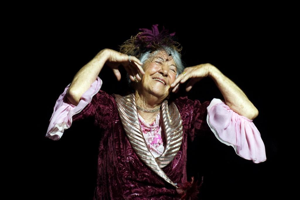 La actriz en un momento de su actuación en la obra de teatro Follies en 2012. En 2013 recogería el Premio Max a la actriz de reparto por el musical Follies, en el que cantó y bailó en las mejores escenas