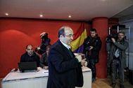 SANTI <HIT>COGOLLUDO</HIT> 23.11.2019 Barcelona, Catalunya El dirigente del PSC Miquel Iceta ha votado en la consulta que ha iniciado el PSOE para validar el preacuerdo de coalicion con Unidas Podemos.