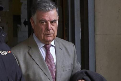 José Antonio Viera, a su salida de los juzgados tras conocer la...