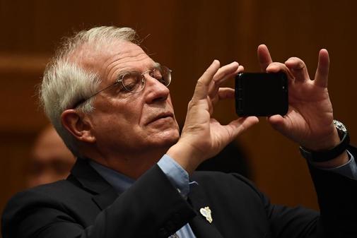 Josep Borrell, ministro de Exteriores en funciones, en una reunión...
