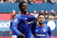 GRAF6110. PAMPLONA.-El delantero del <HIT>Athletic</HIT> de Bilbao Iñaki Williams celebra el primer gol contra el Osasuna, durante el partido correspondiente a la decimocuarta jornada de LaLiga Santander, que ha enfrentado a ambos equipos esta tarde en el estadio de El Sadar en Pamplona.-