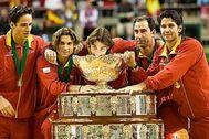 Feliciano, Ferrer, Nadal, Costa y Verdasco, con la Ensaladera de 2009.