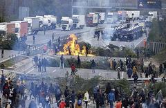 La demanda de los camioneros bloqueados por los CDR