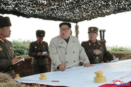 Changrin (Korea, Democratic People''s Republic Of).- A photo released by the official North Korean Central News Agency () shows Kim Jong Un (C), chairman of the Workers' Party of Korea and supreme commander of the armed forces of the DPRK, inspecting the defence detachment on Changrin Islet, North Korea (issued 25 November 2019). The islet is located just north of the Northern Limit Line (NLL), a de facto maritime border with South Korea. (<HIT>Corea</HIT> del Sur) EPA/ EDITORIAL USE ONLY EDITORIAL USE ONLY