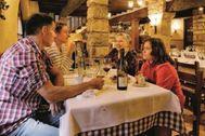 El comedor del restaurante Siurana, en una imagen compartida por sus propietarios en la web del establecimiento.