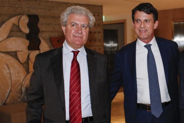 El ex ministro socialista César Antonio Molina (izqda.) y el ex...