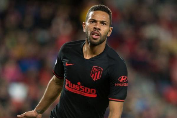 Renan Lodi en un partido del Atlético de Madrid