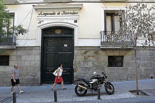 Edificio de la calle de la Luna, 32, que el Ayuntamiento desalojará
