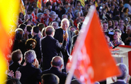 El ministro de Asuntos Exteriores en funciones, Josep Borrell, (centro), junto a Miquel Iceta (PSC), en un acto de la campaña del 10-N, en Barcelona.