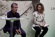 Alfred Vernis, de Inditex, y Elena Fernández (grupo Correos) durante el debate