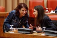 vAdriana Lastra, del PSOE, e Irene Montero, de Unidas Podemos, este miércoles en la reunión de la Diputación Permanente celebrada en el Congreso.