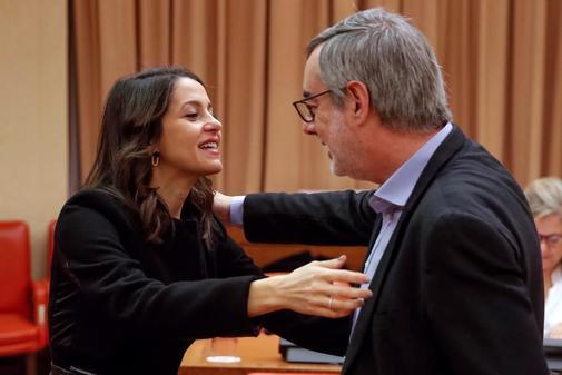 Los diputados de Ciudadanos Inés Arrimadas y José Manuel Villegas se...