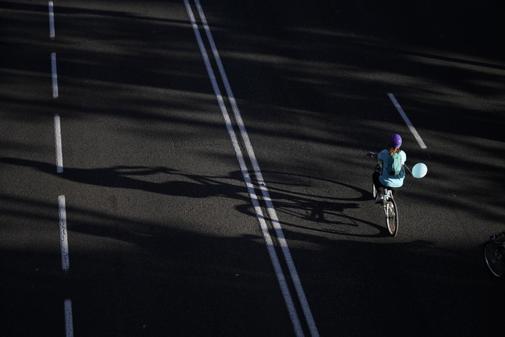 Un cicilista durante el día de la bicicleta en el Paseo de la...