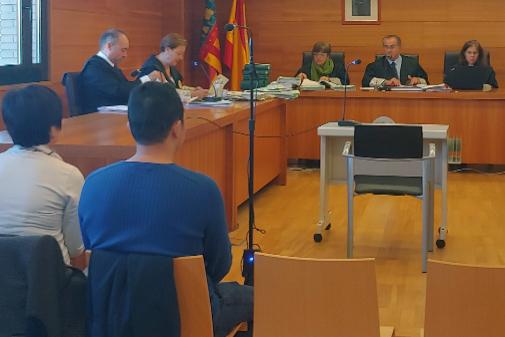 El acusado, este martes, durante el juicio celebrado en la Ciudad de la Justicia de Castellón. CARMEN HERNÁNDEZ