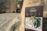 Entrada del Castillo de Santa Bárbara.