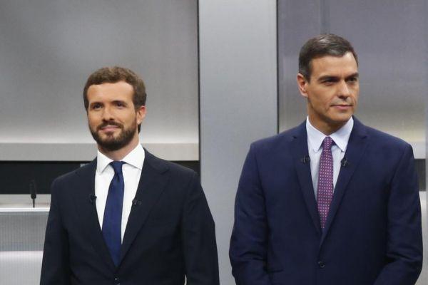 Pablo Casado y Pedro Sánchez, durante