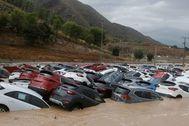 Grupo de coches hundidos en la gota fría que arrasó la comarca alicantina de la Vega Baja el pasado mes de septiembre.
