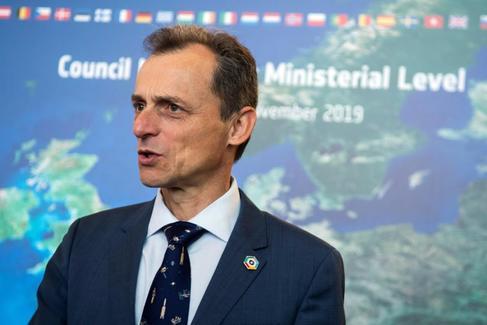 El ministro de Ciencia, Innovación y Universidades, Pedro Duque, en el Consejo Ministerioal de la ESA en Sevilla.